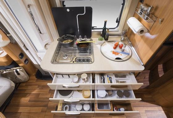 decouverte des differents modeles de fourgon azur accessoires 83. Black Bedroom Furniture Sets. Home Design Ideas